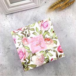 Коробка Розы 16 * 16 * 5см