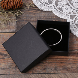 Коробка плотная черная 8 * 8 * 3см
