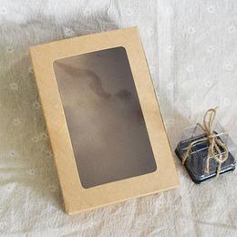 Коробка крафт с окном 18 * 12 * 5см