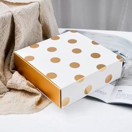 Коробка Золотой горох 17 * 17 * 5см