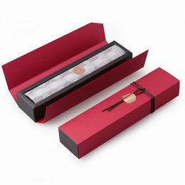 Коробка красная на 6 конфет (с дефектом) 24 * 4,5 * 3,5см