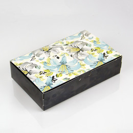 Коробка с цветами Лилии (с дефектом) 21 * 14 * 5см