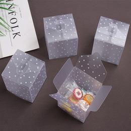 Коробка прозрачная Горох 6 * 6 * 6см