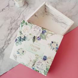 Коробка Весенний букет 20 * 20 * 7см