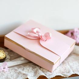 Коробка на 12 конфет (с дефектом) 17 * 13 * 3,5см